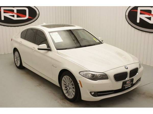 2013 *BMW 5 Series* 535i (Alpine White)