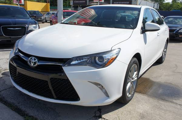 2016 TOYOTA CAMRY SE • $428 MONTHLY PAYMENTS •*