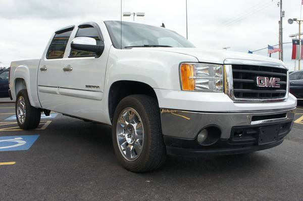 2009 GMC SIERRA 1500 SLE • $450 MONTHLY PAYMENTS •*