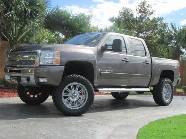 New Dealer in Corpus!!! 2008 Chevrolet Silverado 1500 Crew Cab Lifted