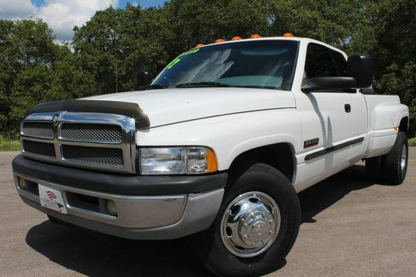 PAMPERED ONE OWNER TEXAS TRUCK! 2002 DODGE RAM 3500 5 SPEED RUNS STOUT