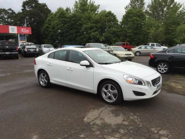 2013 *Volvo* *S60* *4dr Sdn T5 FWD* 4dr Car