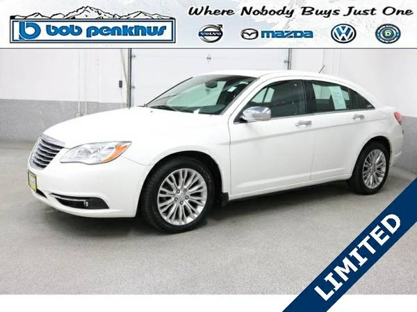 Certified: 2011 Chrysler 200 4D Sedan Limited