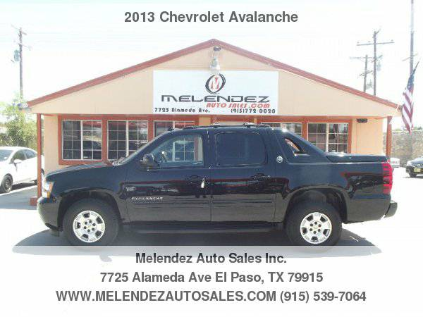 2013 Chevrolet Avalanche 2WD Crew Cab LS