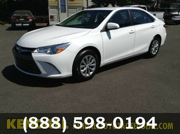 2015 Toyota Camry WHITE Awesome value!