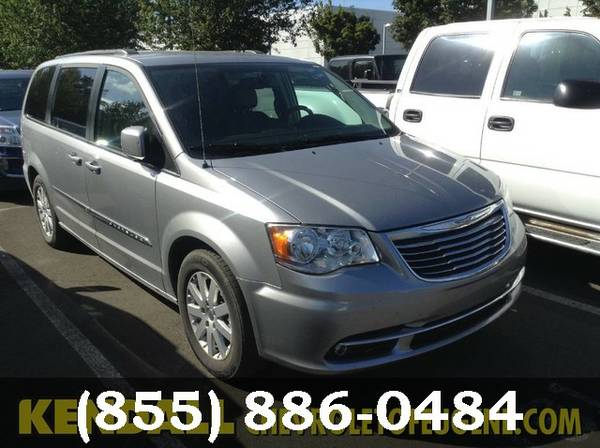 2016 Chrysler Town & Country Granite Crystal Metallic Clearcoat