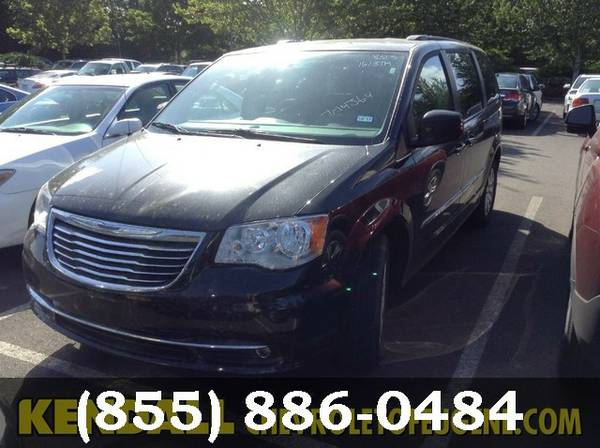 2016 Chrysler Town & Country Brilliant Black Crystal Pearlcoat