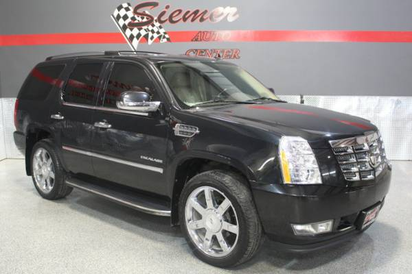 2010 Cadillac Escalade AWD Luxury - TEXT US