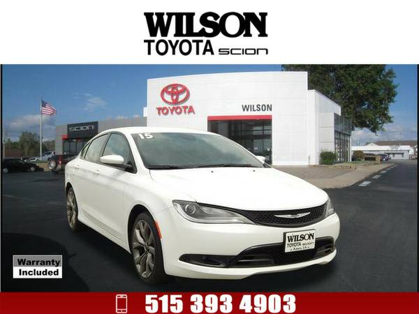 2015 Chrysler 200 S White