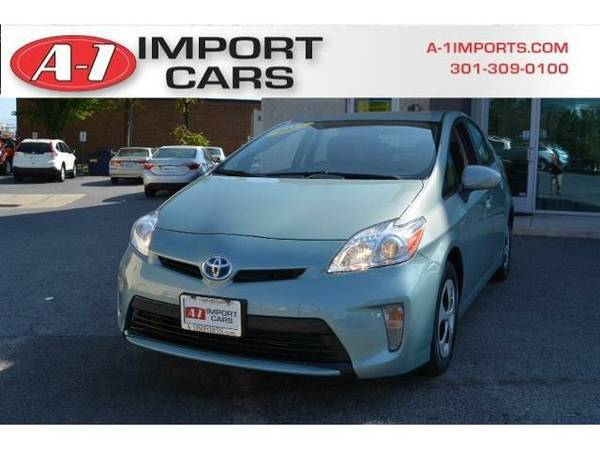 2013 *Toyota Prius* 5dr Hatchback Three (Sea Glass Pearl)