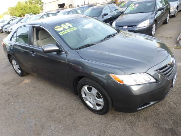 ***** 2009 Toyota Camry LE 79,000 Original miles CARFAX #