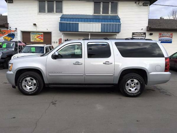 2010 Chevy Suburban-8 Pass/DVD/NAV/Leather/NEW Tires!