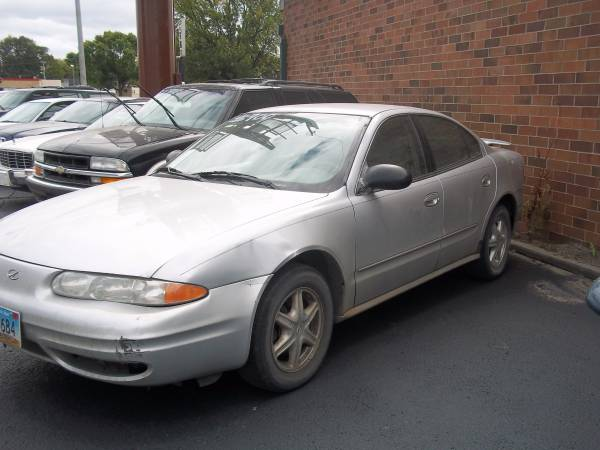 Oldsmobile 2004 Alero GL (231XXX miles) runs good, needs 2 front tires