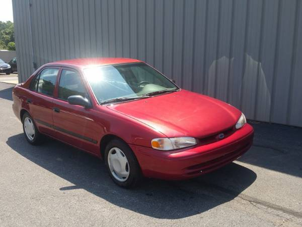 2001 CHEVY PRIZM ! CLEAN CARFAX ! NO ACCIDENTS ! GREAT MPG ! 5 SPEED !