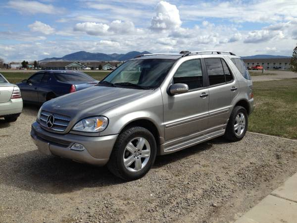2005 Mercedes-Benz ML500 4x4 with Leather Seats