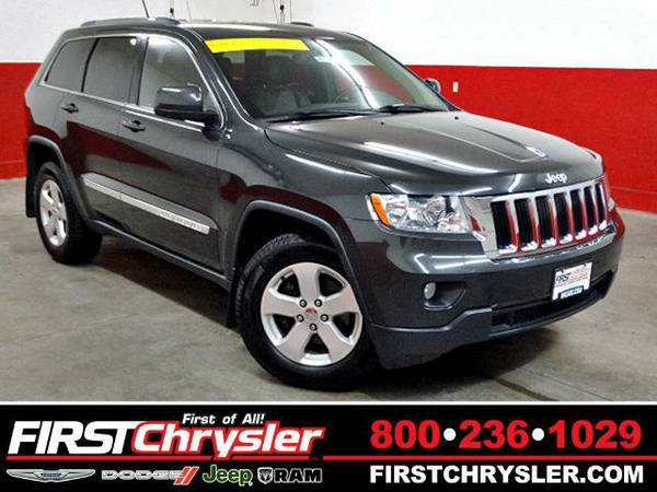 2011 *Jeep Grand Cherokee* Laredo-4x4 - Jeep Dark Charcoal Pearlcoat