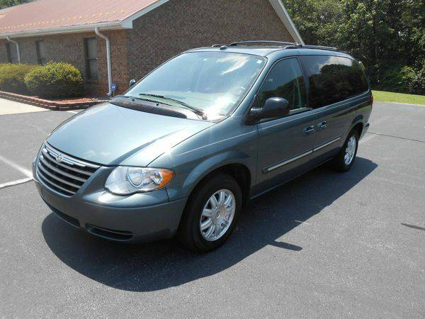 2005 *Chrysler* *Town* *and* *Country* Touring 4dr Ext Minivan