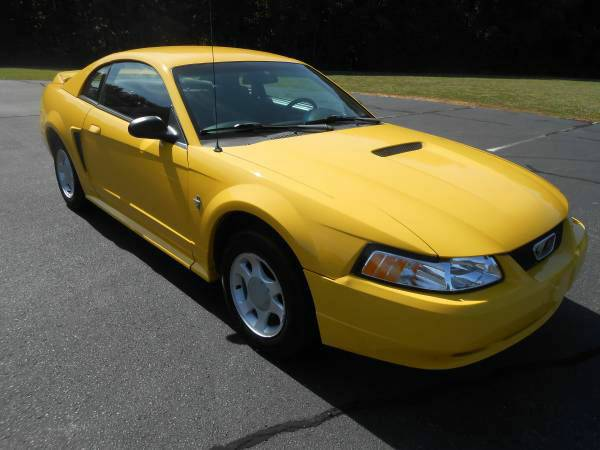 1999 *Ford* *Mustang* 2dr Coupe