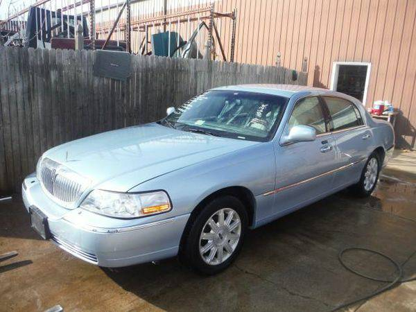 2009 *LINCOLN* *TOWN* *CAR* RWD - Trade-Ins Welcome!