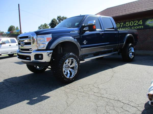 LIFTED 2011 F-250 DIESEL POWERSTROKE 4X4 LARIAT LOADED SUNROOF