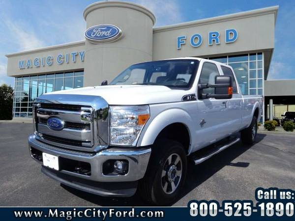 2015 *Ford F-250 Super Duty* Lariat (Off White)