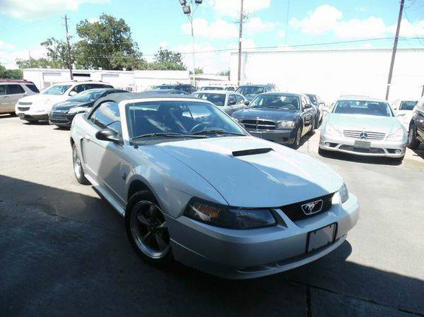 2004 *Ford* *Mustang* GT Deluxe 2dr Convertible **Manager's Specia