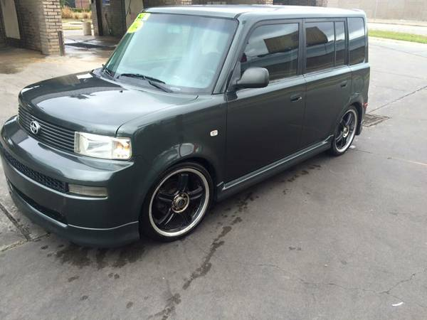 Scion xb 2004