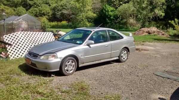 1999 Honda Civic car for parts or needs motor