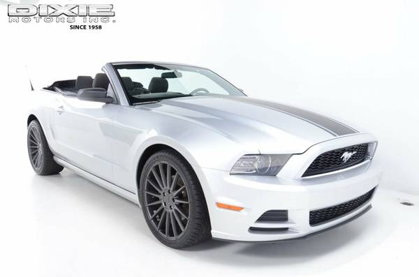 CONVERTIBLE 2013 FORD MUSTANG 20 STAGGERED WHEELS NICHE