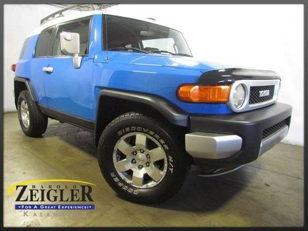2007 *Toyota FJ Cruiser* - Blue