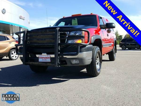 2005 *Chevrolet Silverado 2500HD* LS - (Victory Red) 8 Cyl.