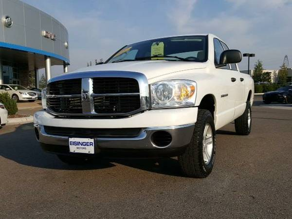 2007 *Dodge Ram 1500* SLT - (Bright White Clearcoat) 8 Cyl.