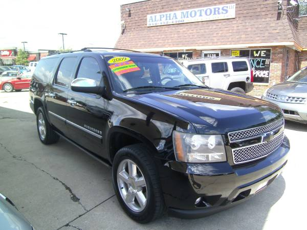 2009 CHEVY SUBURBAN LTZ 4X4, GREAT SUV W/ REAR DVD, NAVIGATION & MORE!