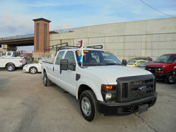 2009 Ford F250 XLT Crew Cab Has Tool Boxes and a Full Size Ladder