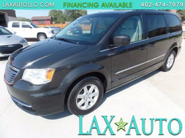 2011 Chrysler Town & Country Touring * 64K MILES! Back-Up Cam! DVD! 1-