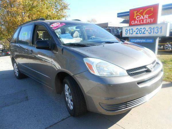 2005 Toyota Sienna CE 7 Passenger Minivan - FULLY LOADED