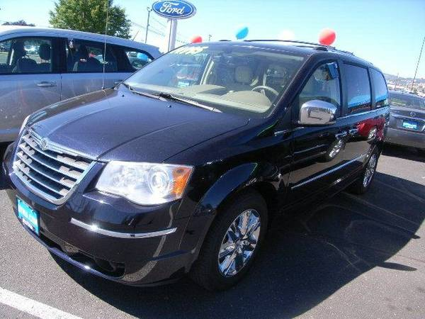 2010 CHRYSLER TOWN & COUNTRY LIMITED - Contact Dealer