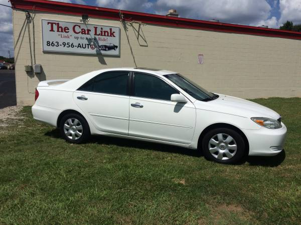 ** 2004 TOYOTA CAMRY LE **
