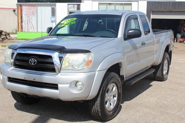 2005 TOYOTA TACOMA ^ 4WD 4 DR. ^ FINANCING FOR ANY CREDIT LEVEL FAST!!
