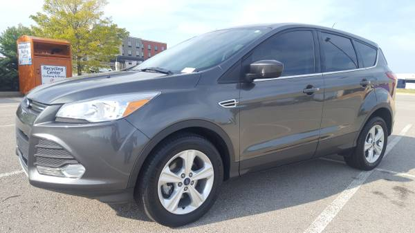 2016 FORD ESCAPE SE!!! GREAT MPG!!! GREAT FAMILY CAR!!!
