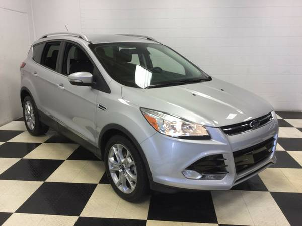 2015 FORD ESCAPE TITANIUM LOADED! LOW MILES! SUPERB CONDITION!