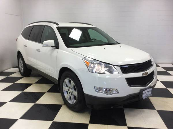 2010 CHEVROLET TRAVERSE PERFECT! LOW PRICE! THIRD ROW! FAMILY HAULER!!