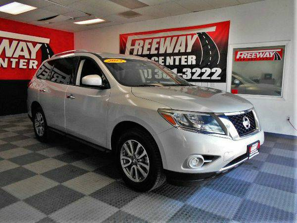2013 *Nissan* *Pathfinder* - CALL TODAY!