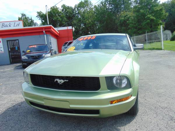 ________ 2005 FORD MUSTANG DELUXE _______ WELL MAINTAINED _______LQQK