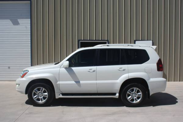 2005 Lexus GX 470 SUV. 4x4. SUNROOF. 3RD ROW. LEATHER. EXCELLENT SHAPE