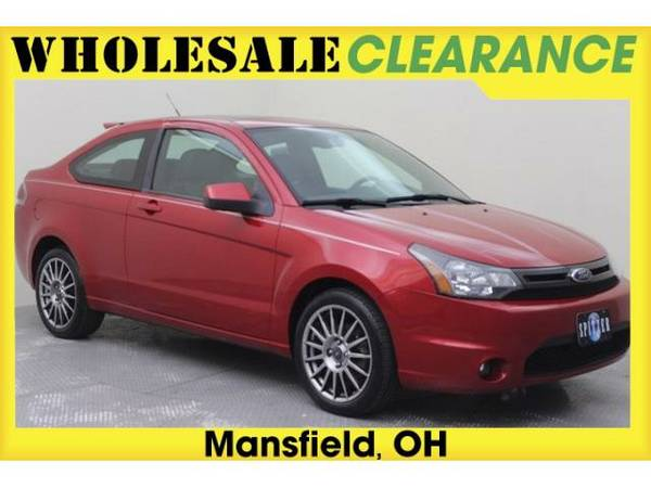 2009 *Ford Focus* SES (Sangria Red Clearcoat Metallic)