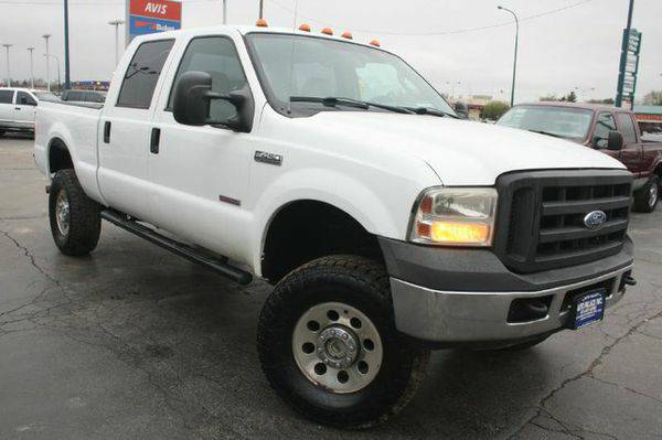 2005 *Ford* *Super* *Duty* *F-250* Lariat -100% FINANCING GUARANTEED!!