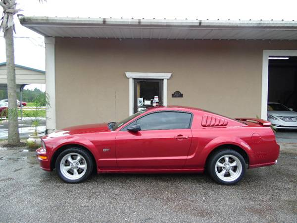 ****2006 FORD MUSTANG GT V8****