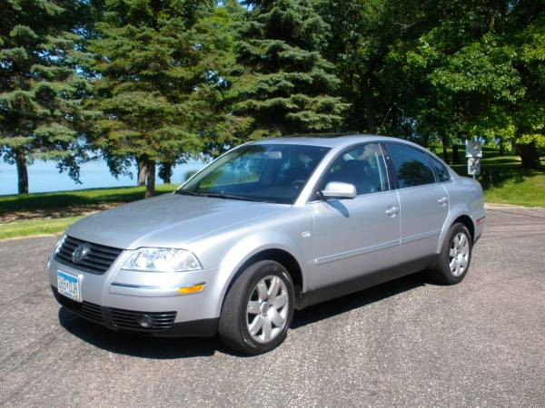 2003 VW Passat Sedan V-6 4-Motion - Low Miles