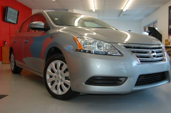 2013 Nissan Sentra SV w/ BACKUP CAMERA NAV MOONROOF, LOW MILES